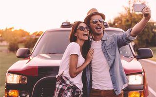 Studiu: cuplurile nesigure postează mai des pe social media