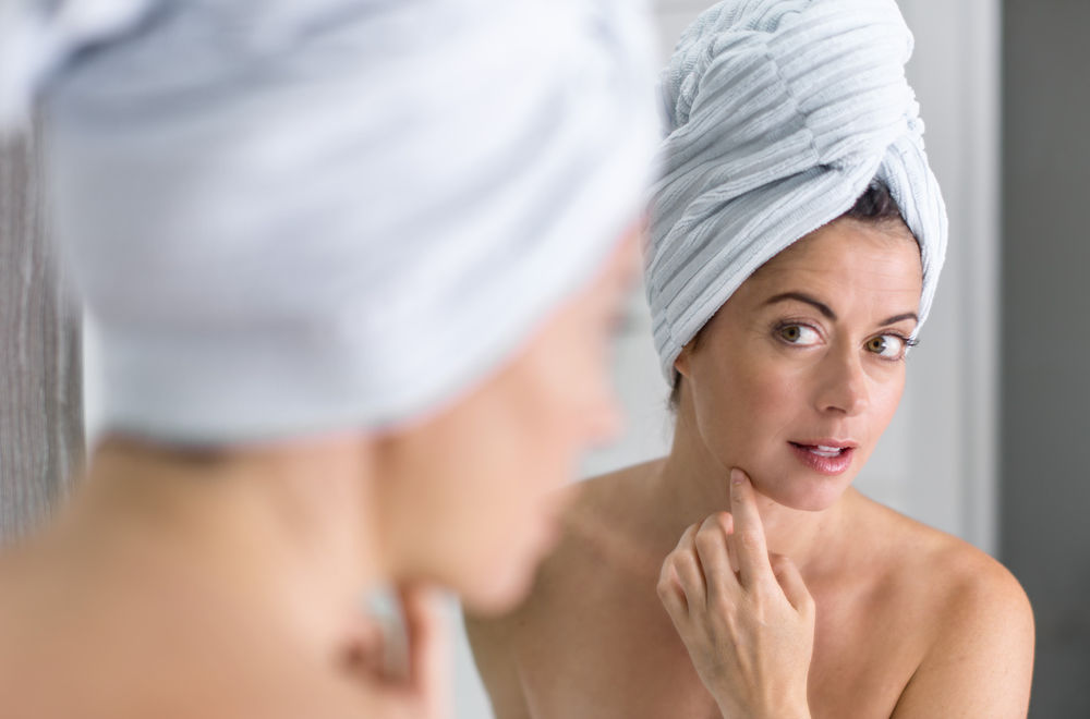 Perimenopauza și acneea