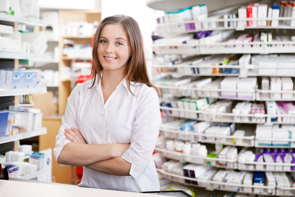 Cat castiga un farmacist