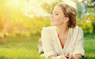 Evoluția spirituală a femeii: 3 etape pentru a depăși depresia, nesiguranța și lipsa de speranță