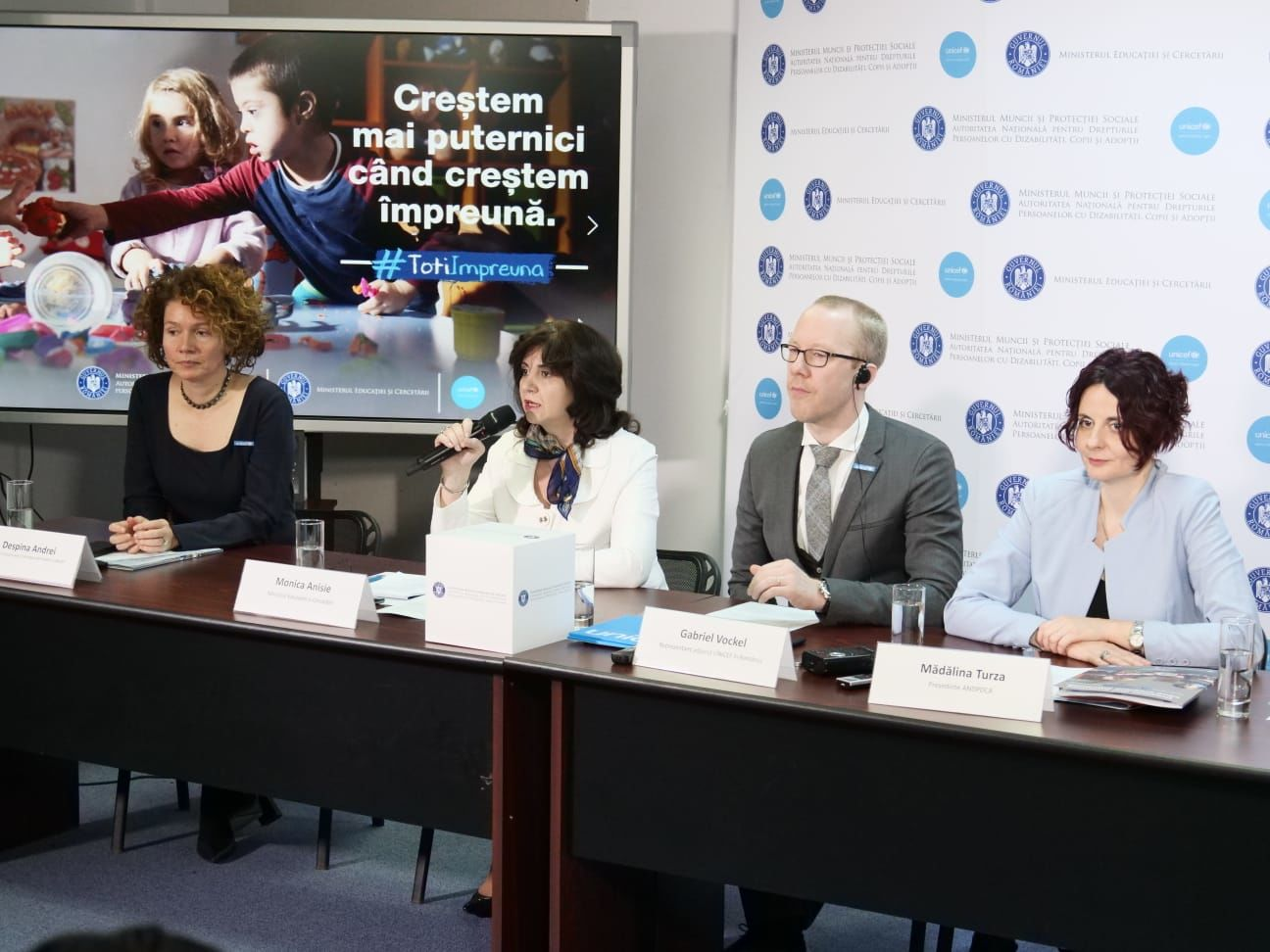 O nouă campanie de informare pentru incluziunea copiilor cu dizabilități