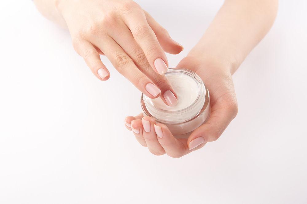 De ce ai mainile aspre iarna si cum poti preveni uscarea pielii
