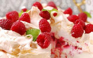Prăjitura Pavlova: 2 rețete pe care să le încerci