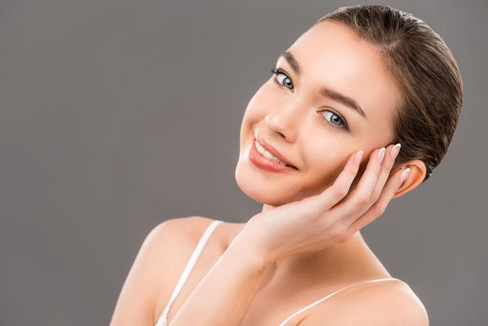Cum sa estompezi aspectul porilor dilatati