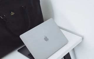(P) De ce să alegi un laptop Apple: MacBook Air sau MacBook Pro