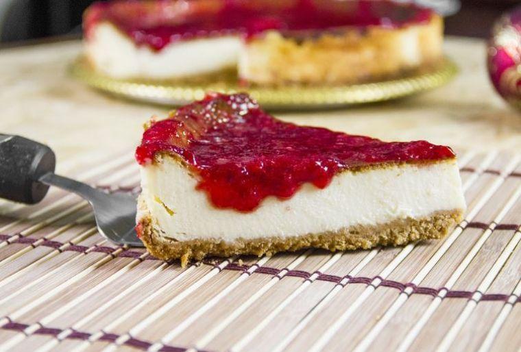 Cheesecake fără coacere. Rețeta delicioasă pentru începători: gata în 6 minute, din 6 ingrediente