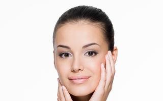 Tehnica oil-pulling pentru acnee: remediu util sau pierdere de timp?