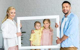 4 lucruri pe care le fac la vârsta adultă persoanele care au avut părinți supraprotectivi