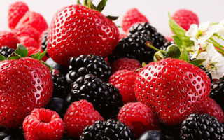 8 alimente bogate în acid elagic