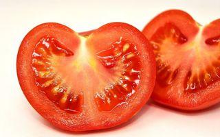 Roșii toxice: cum îți dai seama dacă roșiile pe care le-ai cumpărat sunt sau nu toxice