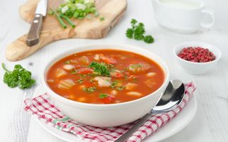 Greșelile mari pe care le faci atunci când gătești supă sau ciorbă. 5 greșeli de evitat în bucătărie