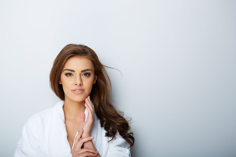 Şapte acizi buni pentru pielea ta pe care îi poţi integra în rutina ta de frumuseţe