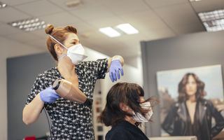 Reguli de igienă în salonul de coafură/cosmetică începând din 15 mai
