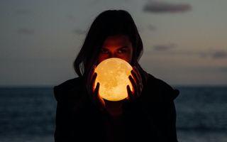 Ce se întâmplă când Luna intră în zodia ta: Semnificațiile pentru fiecare zodie