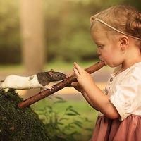 30 de imagini care surprind prietenia speciala dintre copii si animale: Secvențe dintr-o lume perfecta