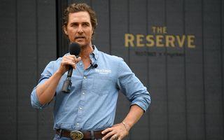 #VeștiBune. Matthew McConaughey, starul fără fițe: Duce măști în spitale și joacă bingo cu bătrânii din azil