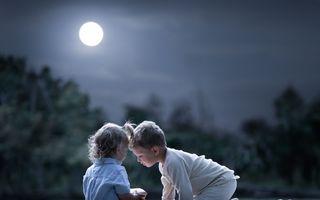Cum se bucură copiii din alte țări de cei mai frumoși ani: 27 de imagini din paradisul copilăriei perfecte