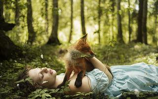 Frăția părului roșu: 3 roșcate și vulpea Alice, povestea în imagini a unei prietenii speciale