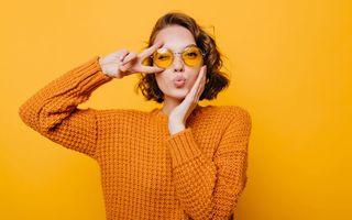 Cum eviți apariția acneei atunci când porți ochelari