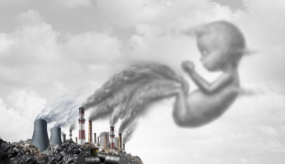 Studiu: Încălzirea globală și poluarea înseamnă mai mulți copii născuți prematur
