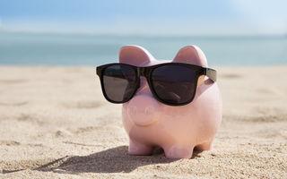 Horoscopul banilor pentru luna iulie. Racul face bani din piatră seacă