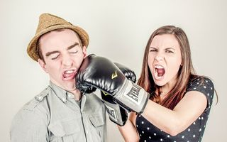 6 semne că de fapt tu ești problema în relația de dragoste