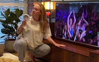Adele nu mai dă înapoi după ce a slăbit aproape 50 de kilograme: Silueta rezistă!