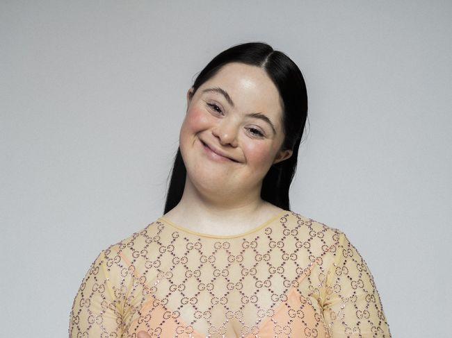 Ellie Goldstein, un model de 18 ani cu sindrom Down, este vedeta campaniei Gucci Beauty - Modă > Moda de la A la Z - Eva.ro