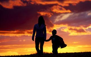 Când nu-i poți oferi copilului un model de familie și îi oferi unul de divorț...