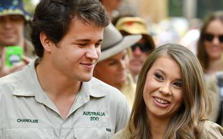 """Vestea care l-ar fi făcut fericit pe Steve Irwin, """"vânătorul de crocodili"""": Fiica lui, Bindi Irwin, e însărcinată"""