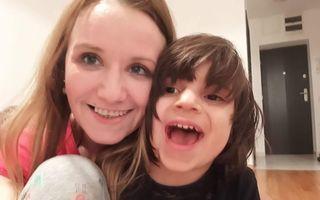 Povestea Adelinei Toncean. A adoptat doi copii bolnavi, l-a pierdut pe primul și acum vrea să #LuămUnAvion pentru a salva viețile altora