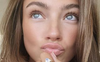 4 serumuri lejere care elimină acneea și cicatricile pe care le lasă în urmă