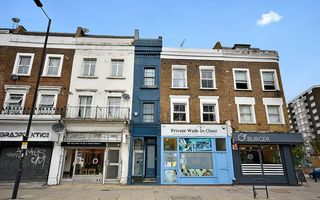 Cea mai îngustă casă din Londra: Are mai puțin de doi metri lățime și se vinde cu 1,3 milioane de dolari