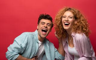 6 perechi de zodii care râd și se distrează cel mai bine împreună