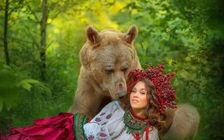 Ursul care a ajuns vedetă în Rusia: Acum e fotomodel