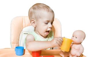 De ce este important ca atât fetele, cât și băieții să se joace cu păpușile