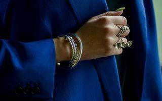 Bijuterii pentru ţinutele de zi cu zi: învață să te accesorizezi corect
