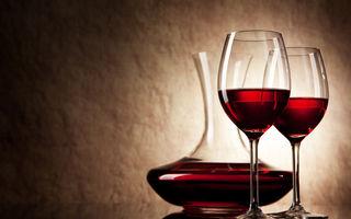 Ce se întâmplă dacă pui bicarbonat de sodiu în vin