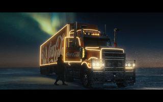 Unele lucruri nu se schimbă niciodată. Coca-Cola surprinde magia Crăciunului în cea mai recentă campanie de sărbători