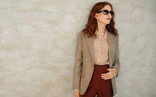 6 piese vestimentare care le ajută pe franțuzoaicele de peste 50 de ani să aibă ținute șic