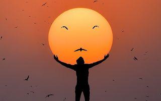 Dansând cu soarele: Iluziile optice surprinzătoare reușite de un fotograf