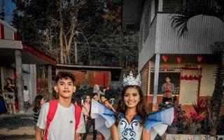 Rochia uimitoare creată de un adolescent pentru ca sora lui să poată participa la bal