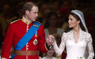 Specialista care a brodat rochiile de mireasă ale lui Kate Middleton și Meghan Markle este la un pas de a ajunge pe străzi