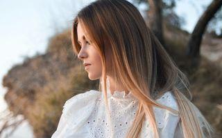 Căderea părului: 4 lucruri pe care să le faci înainte de a folosi produse din farmacie sau supermarket