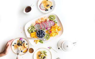 Ce trebuie să mănânci în funcţie de faza ciclului menstrual ca să te simţi bine şi plină de energie