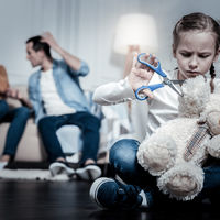 8 semne ca ai crescut intr-un mediu toxic