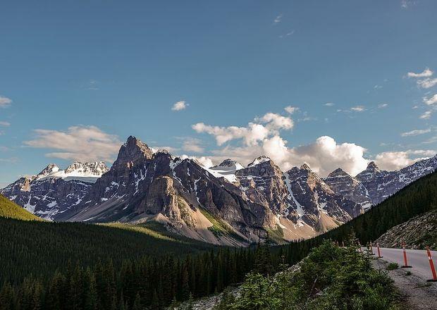 Valea celor Zece Vârfuri din Parcul Național Banff, Alberta