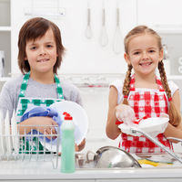 La ce varsta ar trebui copiii sa inceapa sa se implice in treburile casnice