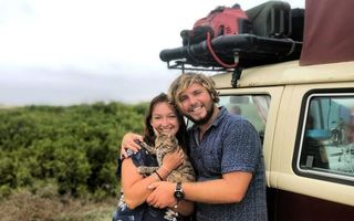 Scenariu de film: Turiști blocați un an în Mexic pentru că n-au vrut să-și abandoneze pisica