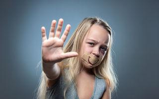10 lucruri subtile pe care le fac părinții abuzivi copiilor lor